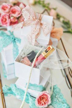 Productos cosméticos para invitadas.