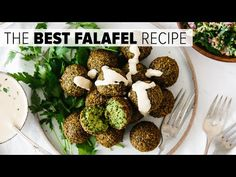 Are you ready for the best falafel you've ever tasted? Falafel are delicious balls of chickpea and herb goodness that you find in Middle Eastern cooking. Vegan Vegetarian, Vegetarian Recipes, Cooking Recipes, Healthy Recipes, Diet Recipes, Best Falafel Recipe, Falafel Vegan, Tapas, Vegan
