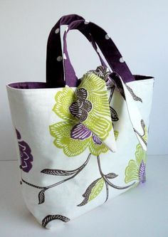 Cool idea for reversible tote bag.Reversible Tied Tote Bag Sewing Pattern by Lillyblossom. Featured in Bags, Beads & Brooches.✌ So Pretty ✌▄▄▄▄▄▄▄ MK Handbags Value Spree: 3 Items Total Clothing* Shoes & Jewelry : Women : Handbags & Sewing Basics, Sewing Hacks, Sewing Tutorials, Sewing Crafts, Sewing Projects, Tote Bag Tutorials, Tote Tutorial, Bag Sewing Pattern, Purse Patterns
