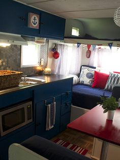Vintage Camper Makeover - Travel Trailer Decorating Ideas - Country Living by Subjects Chosen at Random Trailer Decor, Trailer Interior, Camper Interior, Interior Design, Interior Paint, Kombi Trailer, Camper Trailers, Shasta Trailer, Retro Trailers
