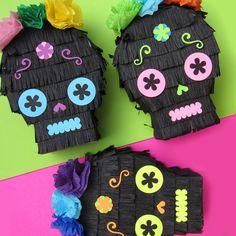 Seis calavera Piñata Mini favores para la por CactusPears en Etsy