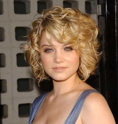 Lots of celebrities these days sport short curly hair styles, but some of them really stand out. When we think of curly short hair, the image of AnnaLynne Medium Hair Cuts, Short Hair Cuts, Medium Hair Styles, Curly Hair Styles, Curly Bangs, Curly Short, Curly Bob, Medium Curly, Hair Bangs