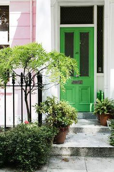 length twin windows on entry exterior door Green Front Doors, Yellow Doors, Home Styles Exterior, When One Door Closes, Hill Park, Old Farm Houses, Pink Houses, Windows And Doors, Cottage Style
