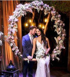 New wedding ideas diy photobooth mariage 16 ideas Wedding Couples, Diy Wedding, Rustic Wedding, Wedding Photos, Dream Wedding, Wedding Day, Church Wedding Flowers, Wedding Centerpieces, Wedding Decorations