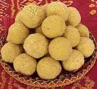 Besan Ladoo Recipe - Pakistani Dessert - Fauzia's Pakistani Recipes - The Extraordinary Taste Of Pakistan