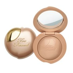 #toofacedOST Illuminate the skin with the first of its kind melting powder highlighter in the perfect champagne peach shade. The total sensorial experience begins as soon as the formula is touched. The creamy, buttery texture instantly transforms into a lightweight powder once applied. It has a buildable finish that is soft, blendable and leaves your cheeks looking, feeling and smelling like dreamy peaches and cream. #tfpeachesandcream #toofaced