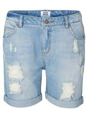 Casual cool denim shorts from VERO MODA. Our fave for summer! #veromoda #denim #shorts #summer #fashion