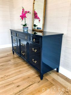 Coffey So Glossy- Kent Coffey dresser painted in high gloss navy # refurbished Furniture High Gloss Paint Finish With Fine Paints of Europe - Painted Furniture Blue Painted Furniture, Lacquer Furniture, Refurbished Furniture, Repurposed Furniture, Furniture Makeover, Painted Dressers, Colorful Furniture, Furniture Projects, Wood Furniture