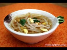 Korean Food: Soybean Sprout Soup (콩나물 국)