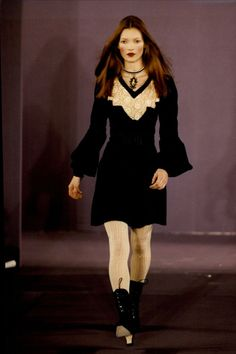 little-trouble-grrrl:      Kate Moss at the Anna Sui autumn/winter 1993 show in New York