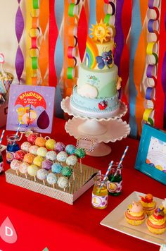 colorful cake pops and a few streamers? I have a really straightforward recipe for cake pops. Rainbow Parties, Rainbow Birthday Party, 3rd Birthday Parties, Birthday Ideas, Birthday Fun, Artist Birthday Party, Art Party, Decoration Table, Birthday Decorations