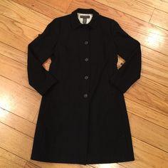 Banana Republic Coat Banana Republic long wool coat. Satin lined with pockets. Banana Republic Jackets & Coats Trench Coats