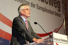 """Thilo Sarrazin: """"Merkel muss durch Misstrauensvotum im Bundestag gestoppt werden"""" - http://www.statusquo-news.de/thilo-sarrazin-merkel-muss-durch-misstrauensvotum-im-bundestag-gestoppt-werden/"""