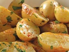 Recipes with potatoes Ingredients kg of Chambray potatoes cup of coriander for . Veggie Recipes, Mexican Food Recipes, Vegetarian Recipes, Cooking Recipes, Healthy Recipes, Deli Food, Salty Foods, Love Food, Food Porn