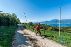 Einfache Nordic walking Route in San Zeno di Montagna Nordic Walking, Verona, Walking Routes, Cross Training, South Africa, Zen, Photos, Travel, Romanesque