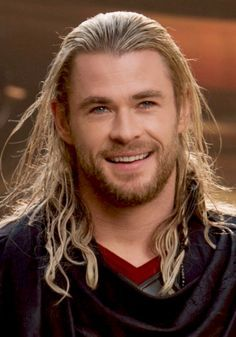 THOR ! ( he's wearing one of my favourite costumes ! Swoon !)