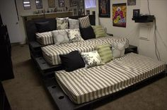 DIY Pallet Home Theater Seating | Pallets Furniture Designs