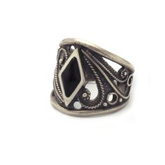 Joyeria Plata y Azabache Artesania Galicia Home Page Silver and Black Jet Crafts Jewelry Crafts Unusual Rings, Tax Free, Saint James, Jewelry Crafts, Cuff Bracelets, Jet, Rings For Men, Artisan, Arts And Crafts