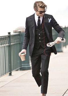 15 Trendy Business Casual Hairstyles - Hairstyle on Point Dapper Gentleman, Gentleman Mode, Gentleman Style, Sharp Dressed Man, Well Dressed Men, Suit Up, Suit And Tie, Business Casual Hairstyles, Stylish Men