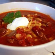 Slow Cooker Taco Soup Recipe: I have so many cans of kidney beans and diced tomatoes, it's not funny. Going to try this soon.