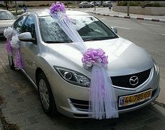 wedding car decorations and inside the car bridal car cabin cooling should also be good via Wedding Car Decorations, Flower Decorations, Wedding Cars, Wedding Ideas, Just Married Car, Bridal Car, Light Images, Kabine, Cute Cars