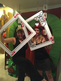 """My own props: red queen """"unbirthday """" photo booth. my own props: red queen """"unbirthday """" photo booth casino party decorations Fète Casino, Casino Party Games, Casino Party Decorations, Casino Cakes, Casino Night Party, Casino Theme Parties, Party Themes, Ideas Party, Birthday Decorations"""