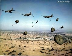 """""""Rhodesian Light Infantry parachuting in during the Bush War, Military Life, Military History, South African Air Force, Parachute Regiment, Royal Australian Navy, Man Of War, Defence Force, Paratrooper, All Nature"""
