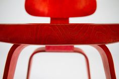 Front on view of a vintage Herman Miller Eames LCW