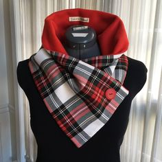 Handmade Tartan Neck Warmers by TicketToScotland Sewing Scarves, Sewing Clothes, Diy Crafts Dress, Royal Stewart Tartan, Fleece Projects, Creation Couture, Mode Vintage, Vintage Hats, Neck Scarves