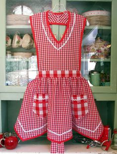 Adorable apron pattern also in strawberries, patriotic, and fall leaf theme.