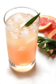 The Charleston Fizz (gin, grapefruit juice, elderflower, simple syrup, club soda)