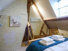 117 Old Street (Ref. 917883) has some very unusual shaped rooms.