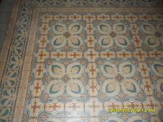 Oppervlakte 7,5 m2 Al onze antieke vloeren zijn unieke stukken en worden…