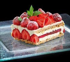 Μιλφέιγ φράουλα με κρέμα μουσελίν λευκής σοκολάτας