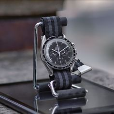 Dream Watches, Luxury Watches, Cool Watches, Rolex Watches, Watches For Men, Band B, Omega Speedmaster, Beautiful Watches, Watch Bands