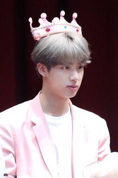 his my pink prince 🐹💜 Seokjin, Namjoon, Taehyung, Bts Jin, Bts Bangtan Boy, Jung Hoseok, K Pop, Fansign Bts, Rap