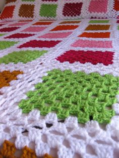 Granny square with interesting color combination crochet grannysquare grannythrow blanket afghan – Artofitrose, crochet, can be a nice d - SalvabraniInspiration only. Point Granny Au Crochet, Crochet Ripple Blanket, Crochet Granny Square Afghan, Crochet Bedspread, Crochet Quilt, Crochet Tablecloth, Crochet Chart, Crochet Squares, Crochet Home