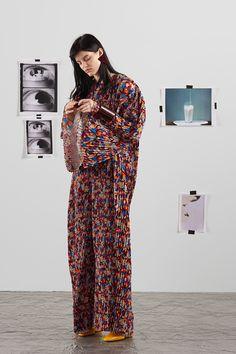 Krizia Resort 2018 Fashion Show Collection