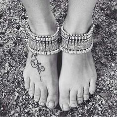 """Thick boho anklet / bracelet Bohemian silver style can be worn as bracelet and anklet, depending on your style - such an amazing piece // Measures 6.5"""" and is adjustable up to 8.5"""" // brand new in plastic // never been worn // wear stacked or solo, try it on your ankles or wrists for a new look- it's hot hot hot // the more you own, the more options you have! ✨Listing is for 1 piece Jewelry"""
