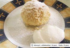 Habkönnyű túrógombóc Hungarian Desserts, Hungarian Recipes, Hungarian Food, Sweet Recipes, Cake Recipes, Cake & Co, Best Food Ever, Love Food, Food To Make