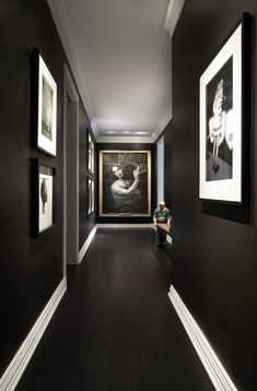 Ready for the new neutral room colour? It's black. Black Interior Doors, Black Interior Design, Black Room Design, Black Painted Walls, Black Walls, Black Hallway, Hallway Mirror, Hallway Walls, Hallway Closet