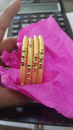 Ali Baba Selani Gold and diamond suppliers Dubai. Gold Bangles Design, Gold Jewellery Design, Gold Bracelet For Women, Gold Jewelry Simple, Jewelry Design Earrings, Bangle Set, Ali Baba, Gold Designs, Manish