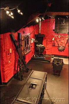 Adult playroom on pinterest playrooms kinky and benches for Dungeon bedroom ideas