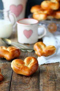 (via Kanela y Limón: Corazones de pan de leche /...