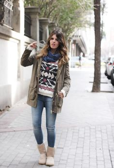 holiday-sweatshirt with jeans and uggs