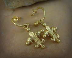 Gold yellow fleur de lis earrings by Roman Paul Gothic Earrings, Silver Earrings, Roman Paul, Silver Necklaces, Jewelry Design, Pendants, Bracelets, Yellow, Bangles