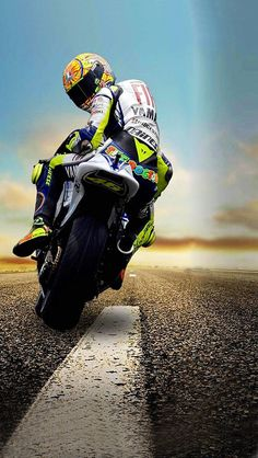 Wallpaper Valentino Rossi Hd Early Imageif With Cartoon Images Of Ducati, Course Moto, Gp Moto, Valentino Rossi 46, Motorcycle Wallpaper, Bike Photography, Vr46, Racing Motorcycles, Super Bikes