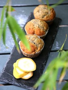 Muffins à la banane : Recette de Muffins à la banane - Marmiton French Deserts, Bread Cake, Health Eating, 20 Min, What To Cook, Kid Friendly Meals, Muffin Recipes, Finger Foods, Sweet Recipes