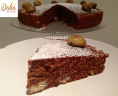 La TORTA DI CASTAGNE SENZA BURRO è una golosa e leggera #torta realizzata #senzaburro con #cacao e arricchita da #farine di #castagne e castagne intere che donano croccantezza! Ecco la #ricetta del #dolce http://www.dolcisenzaburro.it/uncategorized/torta-di-castagne-senza-burro/ #dolcisenzaburro healthy and light desserts cakes sweets