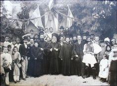 Ἅγιος Νεκτάριος «Ο Άγιος της στοργής και της συγγνώμης» (9 Νοεμβρίου) Κύμη (1893) Byzantine Icons, Holy Spirit, Saints, Concert, Art, Holy Ghost, Art Background, Kunst, Concerts
